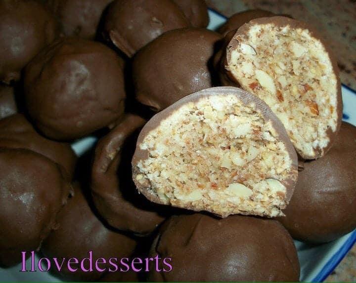 bolle-di-mandorle Biscotti al farro con gocce di cioccolato, senza lattosio - ricetta di Luca Montersino