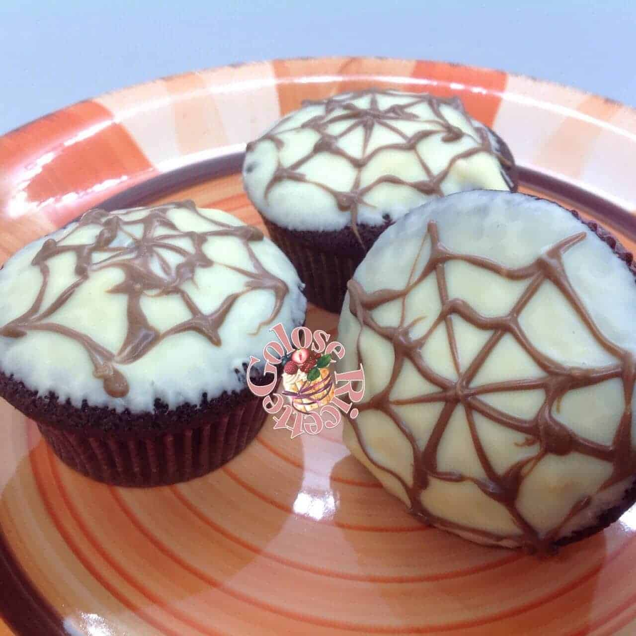 Devil's food cupcakes – Halloween