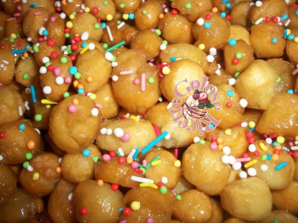 Pignolata dolce tipico calabrese