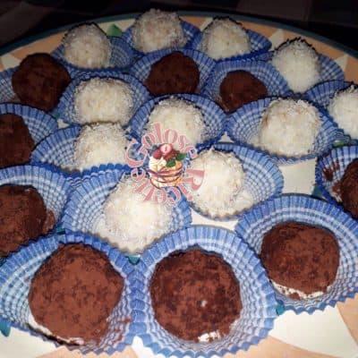 Praline di ricotta, cocco e cacao