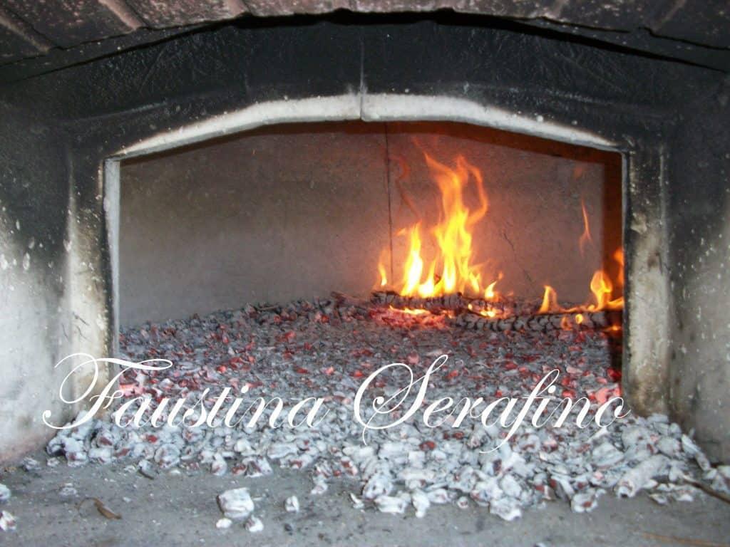 cottura del forno a legna quasi completata