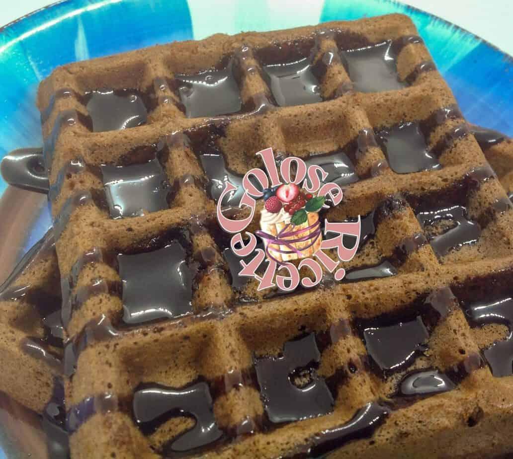 Waffle Ricetta Originale Americana.Waffles Ricetta Originale E Variante Al Cioccolato Golose Ricette