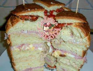 panettone-gastronomico-farcito-e-tagliato-1-300x229 Panettone Gastronomico - la ricetta del panettone salato GOLOSITà SALATE LE RICETTE DEI GRANDI MAESTRI LIEVITATI