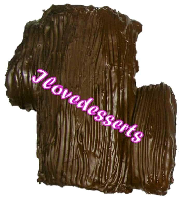 tronchetto di natale decorato con il cioccolato